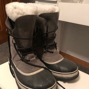Sorel Caribou Boots. Women's size 7. Worn once
